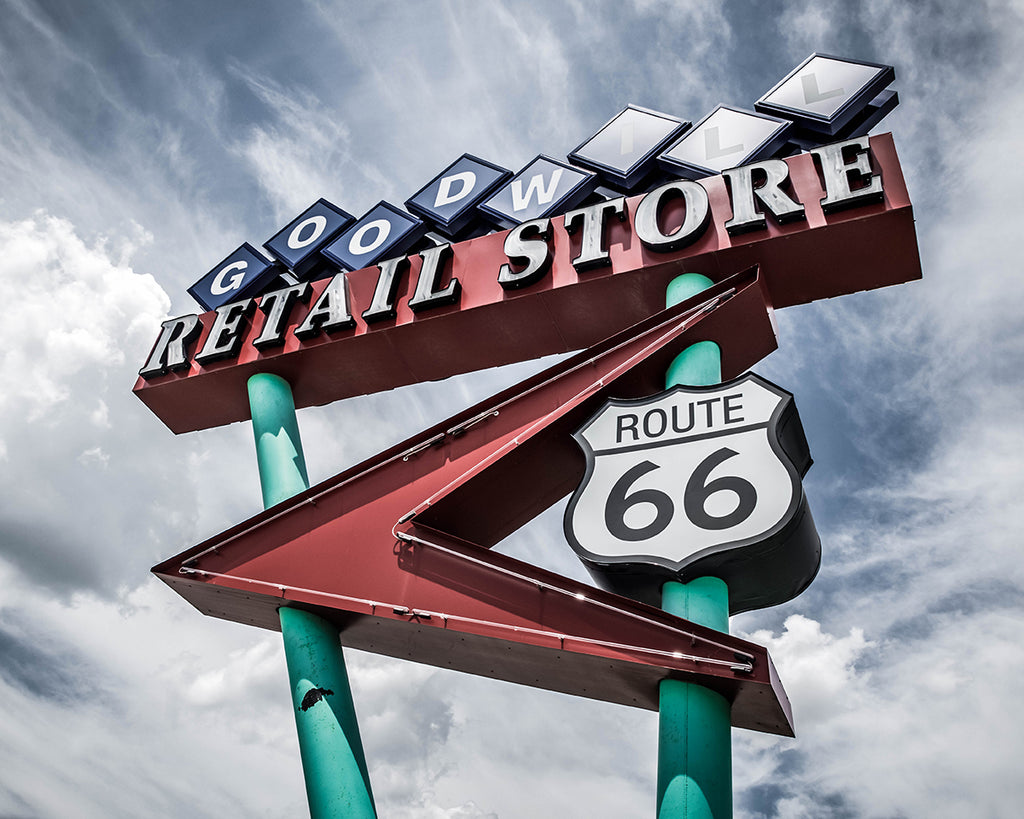 Goodwill Retail Store on Route 66 | Tyler Thomason Photography