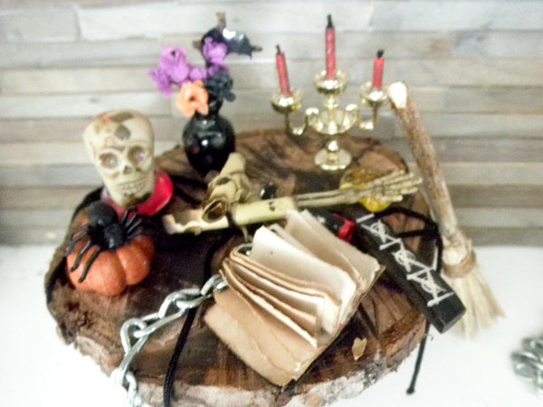 Miniature Halloween witch table for you to decorate
