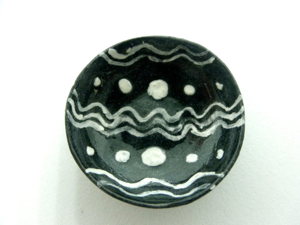 Miniature Ceramic slipware bowl - Black and white