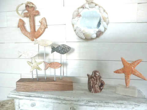 Miniature nautical wall decor mirror with shells
