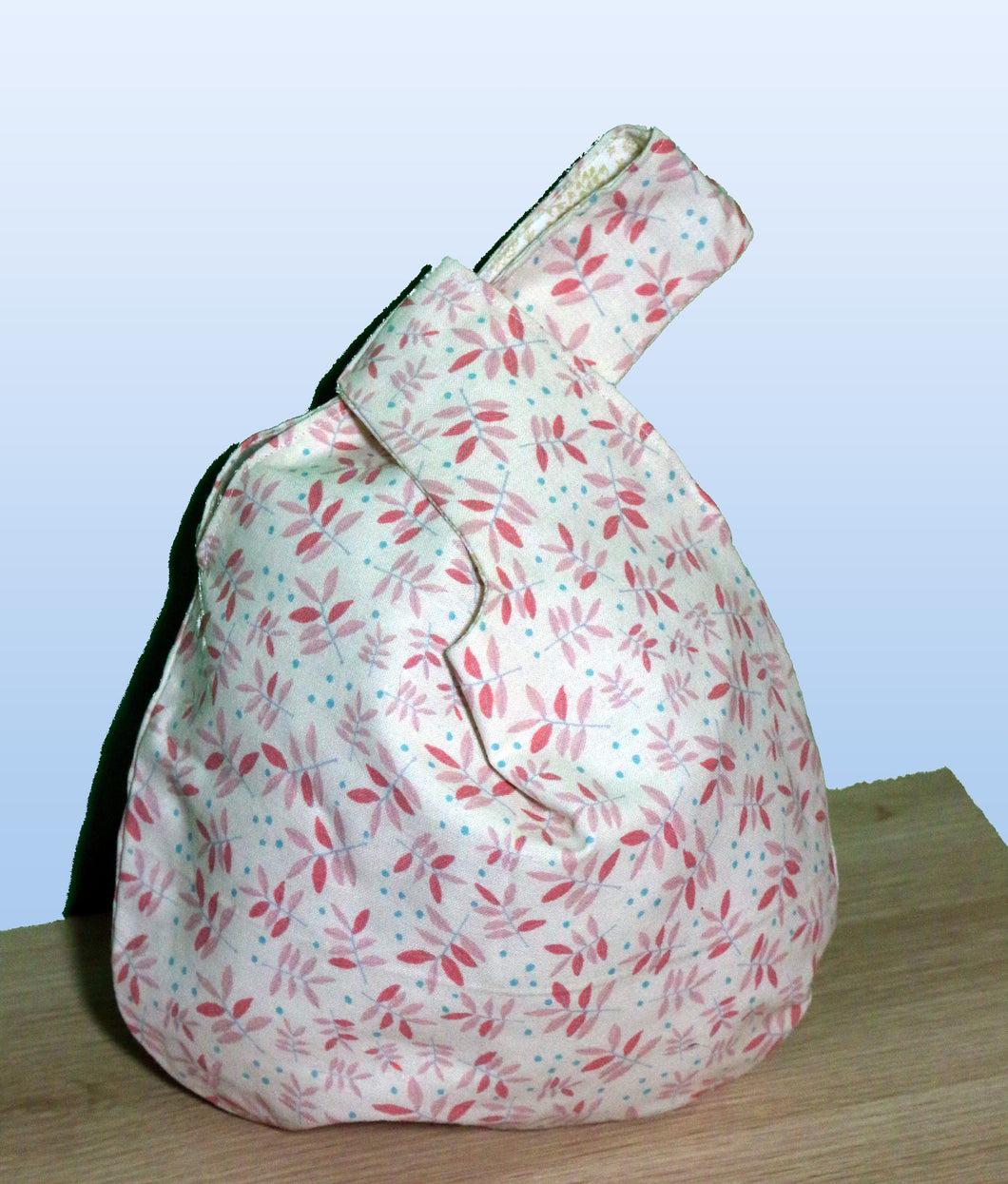 Small knot bag