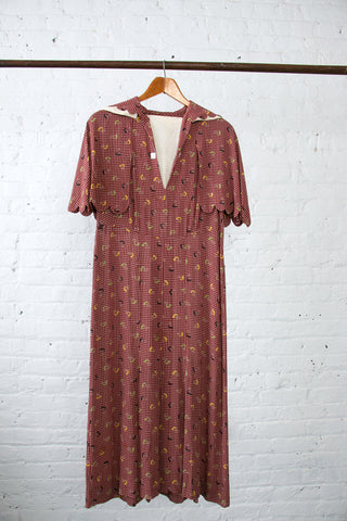 Vintage 1930's Novelty Print Scalloped Day Dress in Rayon