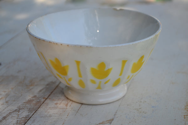 yellow & white cafe au lait bowl