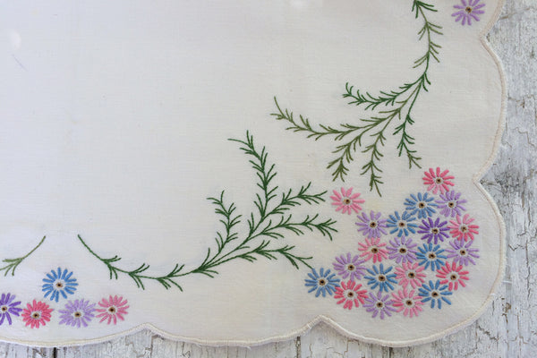 embroidered daisy topper