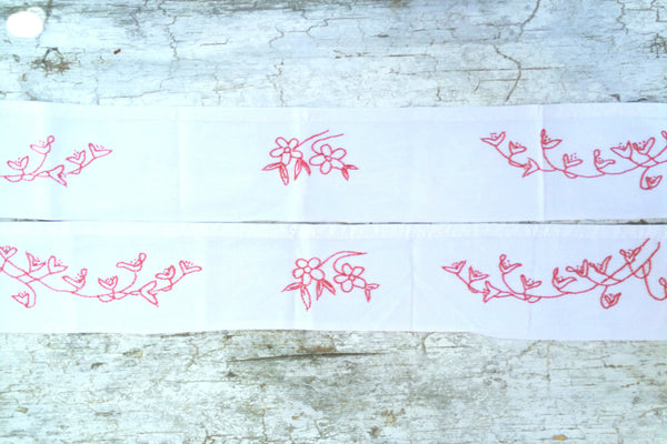 red embroidered flower valance set/2