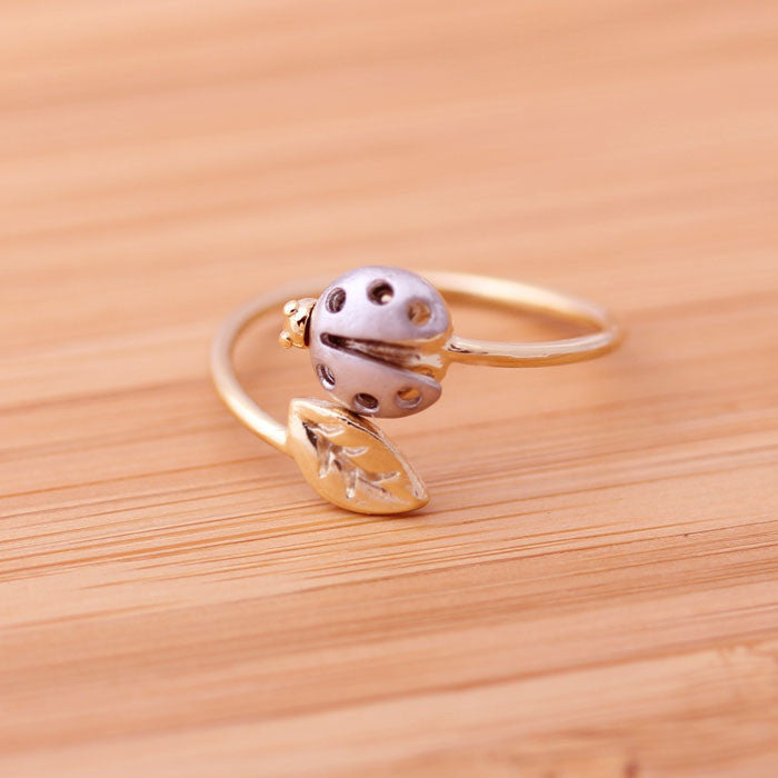 silver ladybug leaf ring, adjustable - girlsluv.it  - 1