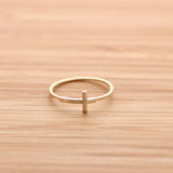 SIDEWAYS CROSS ring with twisted band, in gold - girlsluv.it  - 1