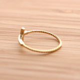 SIDEWAYS CROSS ring with twisted band, in gold - girlsluv.it  - 3