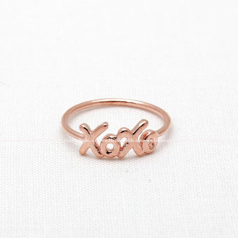 tiny XOXO ring, 3 colors - girlsluv.it  - 1