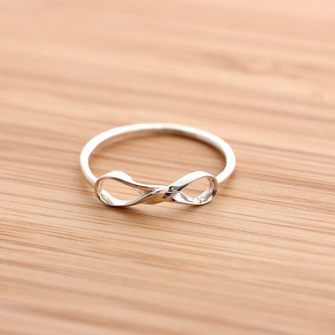 twisted INFINITY ring, in sterling silver - girlsluv.it