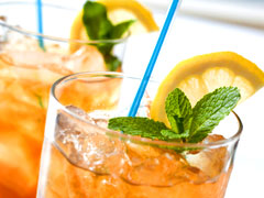 Sweet tea recipe, Southern iced tea with sugar.