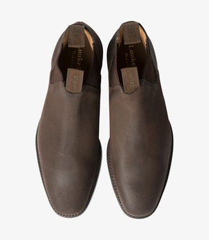 LOAKE Chatsworth Chelsea Suede Boot - Rusty Brown Waxy - Front View