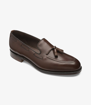 LOAKE - Russell Tasselled Loafers Calf Shoe - Dark Brown - Angle View
