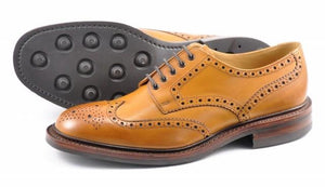 LOAKE Chester Brogue shoe Dainite - Tan - Sole/Side View