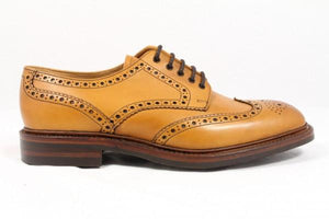LOAKE Chester Brogue shoe Dainite - Tan - Side View