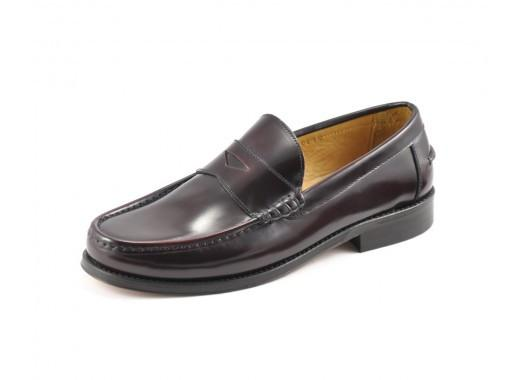 LOAKE Kingston Mocassin Loafers - Burgundy - Angle View