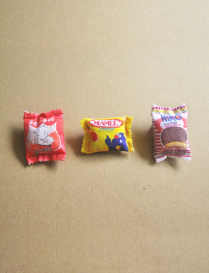 singapore nostalgic snacks pin
