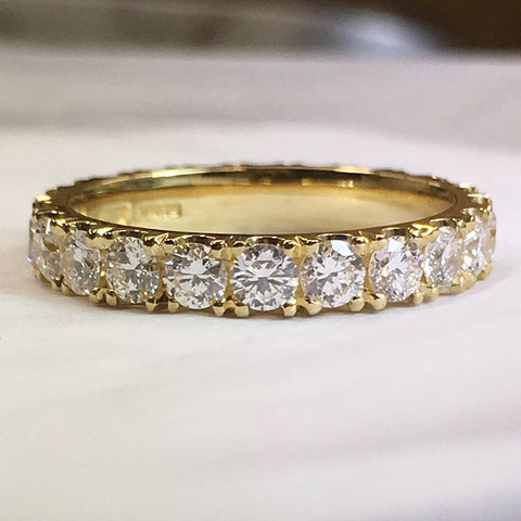 diamond set 18ct yellow gold wedding ring