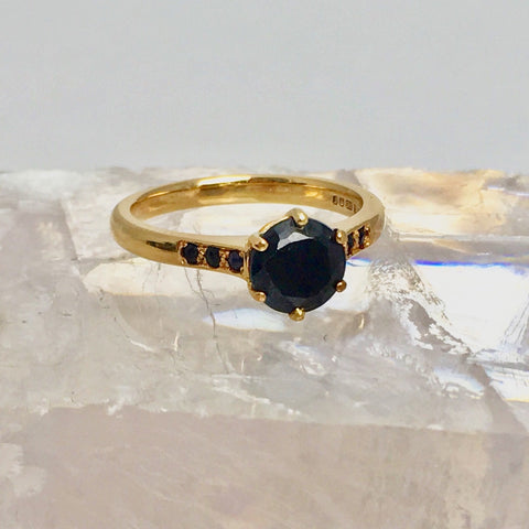 Black sapphire and 14ct gold engagement ring