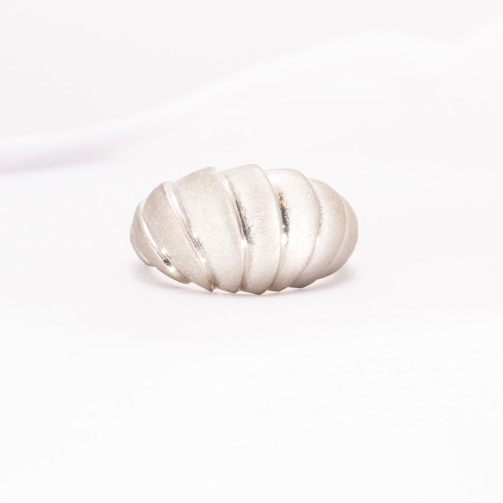 Contemporary organic style wave design silver ring