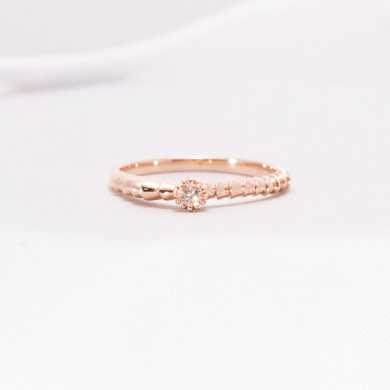 Red gold ring and champagne diamond