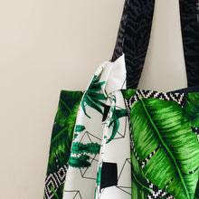 Load image into Gallery viewer, Verdant - Maxi Reversible Tote