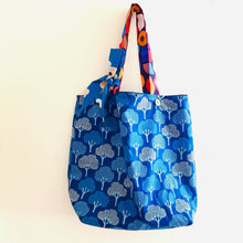 Load image into Gallery viewer, Blue Denim Forest - Maxi Reversible Tote with matching Tie