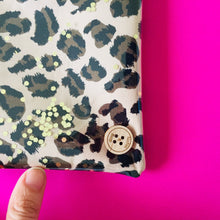 Load image into Gallery viewer, Mini Leopard - Clutches and Coin Purse