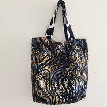 Load image into Gallery viewer, Tiger Rust- Maxi Reversible Tote