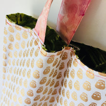 Load image into Gallery viewer, Green Leaves - Maxi Reversible Tote