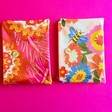 Load image into Gallery viewer, Pinky Floral - Clutch