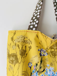 Maxi Reversible Tote - Yellow Floral