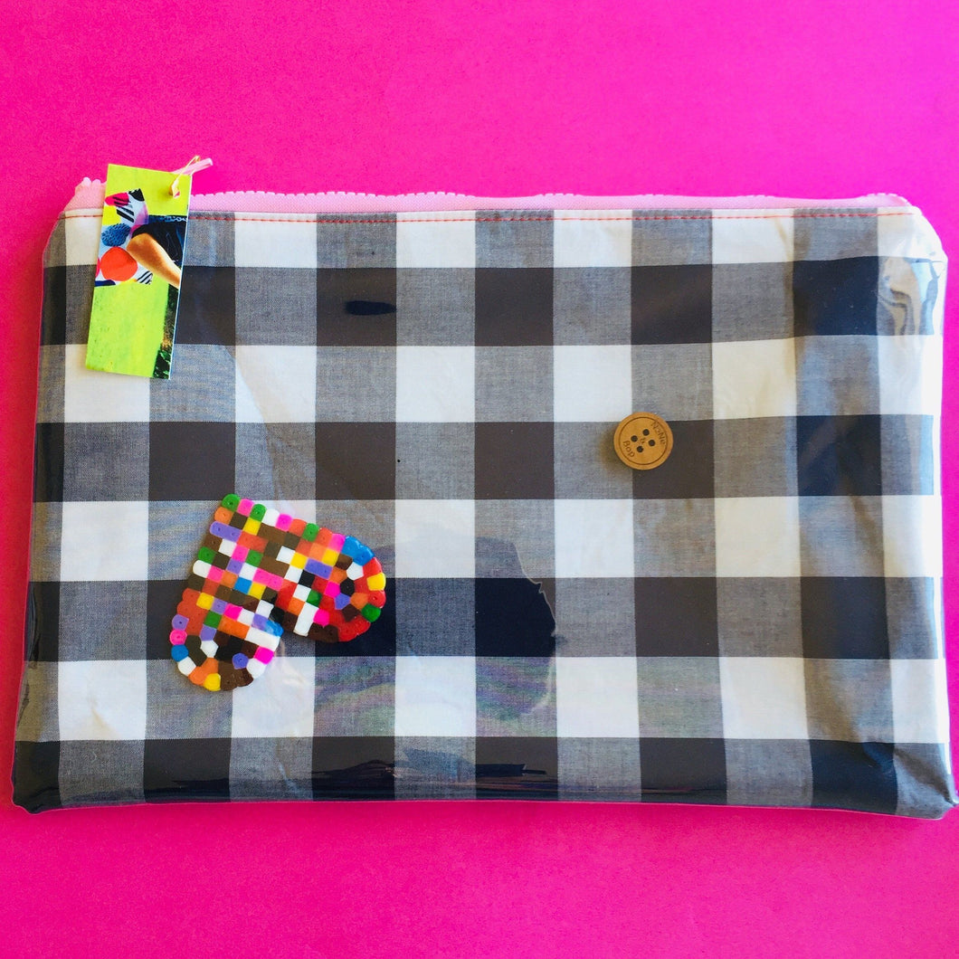 Gingham Heart charm - Clutch
