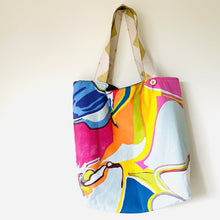 Load image into Gallery viewer, Maxi Reversible Tote - Maxi floral