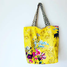 Load image into Gallery viewer, Maxi Reversible Tote - Yellow Floral