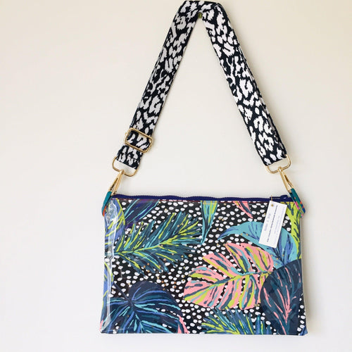 Leaf Purse Plus+ with adjustable strap