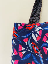 Load image into Gallery viewer, Maxi Reversible Tote - Birds on Blue