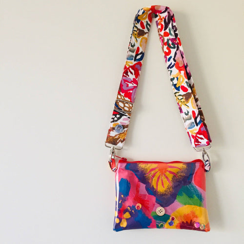 Pansy Purse Plus+ with adjustable strap