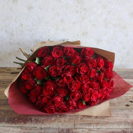 WOW! 100 Red Roses