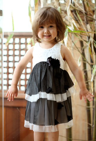 Isobella and Chloe Estelle Dress in Black and White sz 3T only