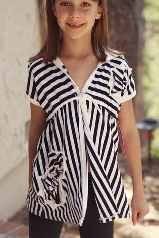 Isobella and Chloe Swim Coverup in Black Stripe sz 6x only