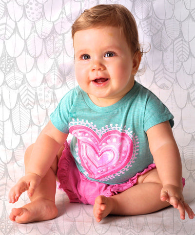 Paper Wings Little Wings Organic Arty Heart Top for Babies sz 12 mos,18 mos only
