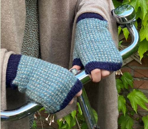 Starlight mitts, Hilly Knits