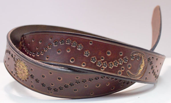 "Moon Sun Stars 1 1/2"" belt brown"