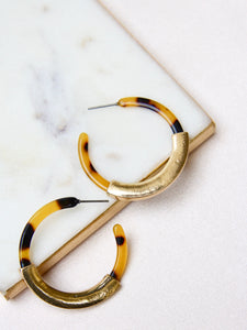 Cléo the Label Jordyn Earring in Tortoiseshell Color
