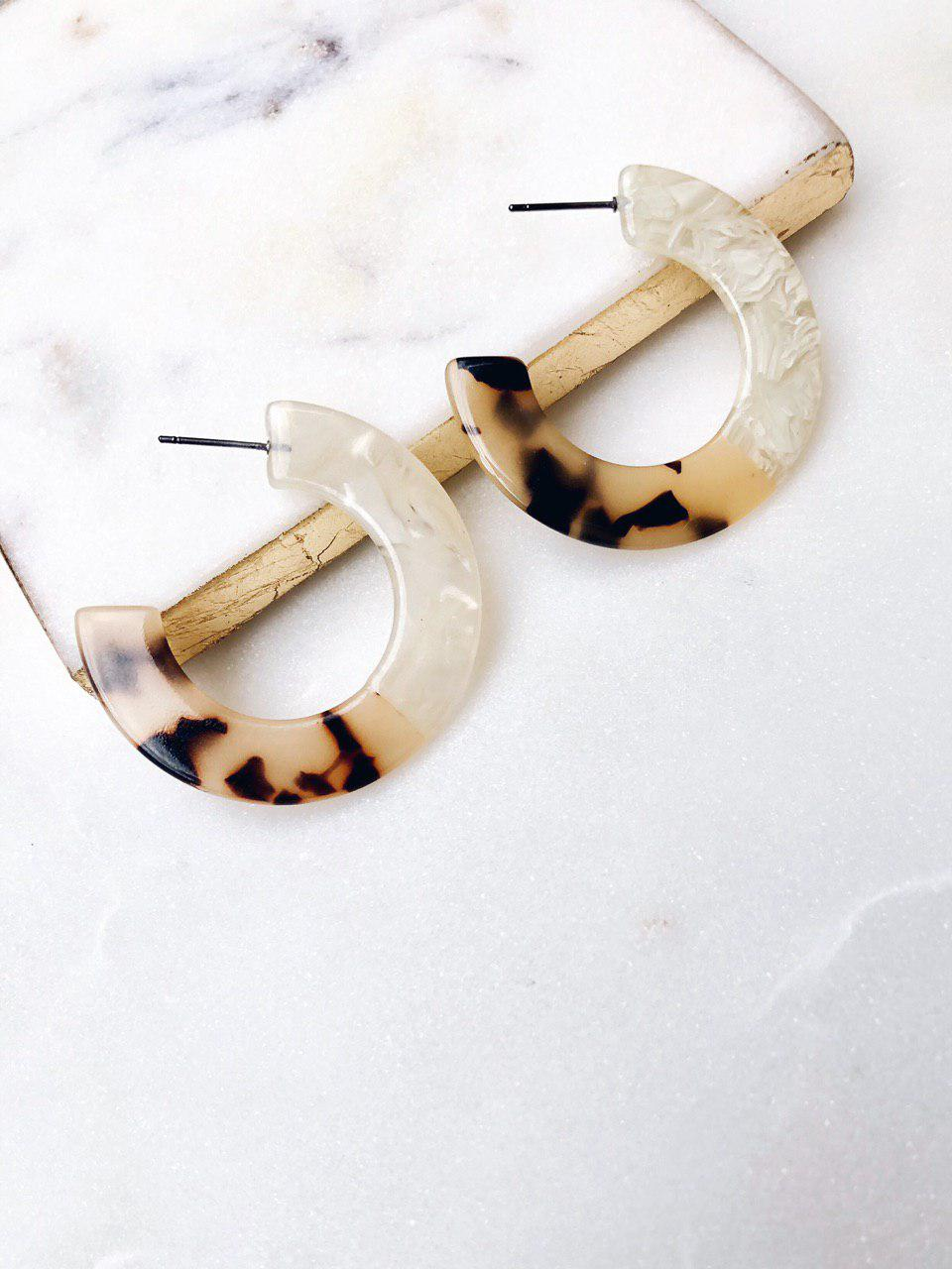 Cléo the Label Rumi Earring in White Tortoise and Ivory Color