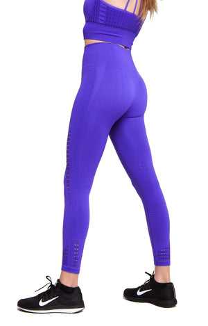 Feels so good wearing Performance Seamless Booty Leggings in Purple | ThiqActive