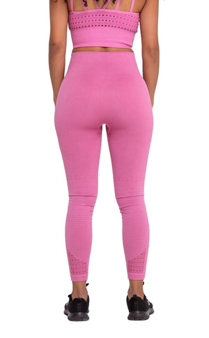 It really brings out my booty wearing Performance Seamless Booty Leggings in Pink | ThiqActive