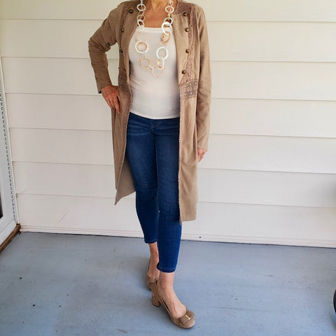 Light Weight Coat with Lace and Buttons Details
