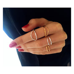 Lorien_ring_NUR_VERA_VEGA_design_collaboration-silver-gold-finger-ring-styling